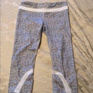 Lululemon 8 run inspire crop leggings